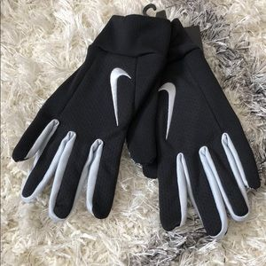Nike Accessories - Nike receiving gloves size large raiders